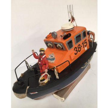 38-15 Lifeboat RNLI lady Elizebeth Brownlea